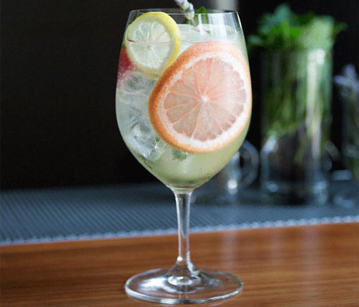Garden Gin & Tonic with fruits